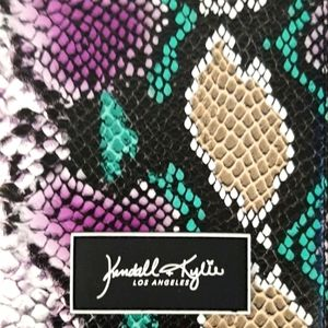2 Styles NWT Kendall and Kylie Passport Wallets
